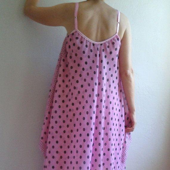 Pinkes kleid mit punkten