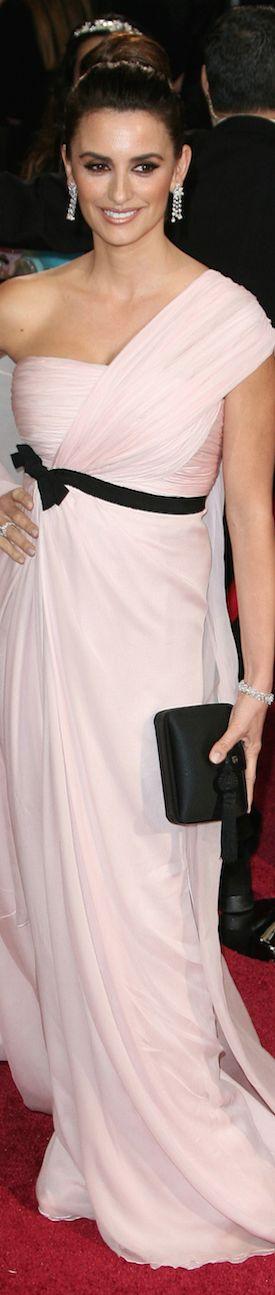 Penelope Cruz in Giambattista Valli LOOKandLOVEwithLOLO: Oscars Award Winning Fashion 2014