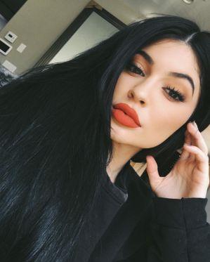 Los labios de Kylie, los labios de la polémica, son los labios que todo el mundo quiso, vaso de chup... - zelebtv.es