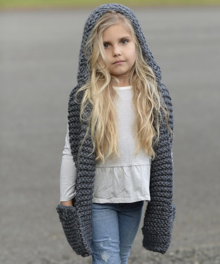 Ravelry: Tuft Hooded Scarf by Heidi May