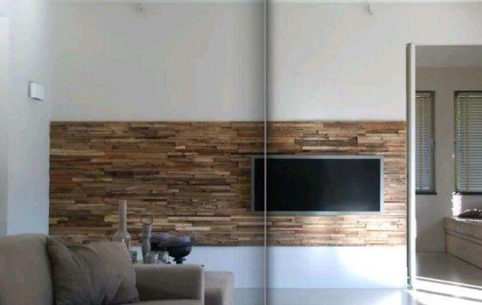 hardhouten strook op muur, oud hout