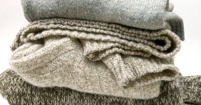 Yün Giysiler Nasıl Yıkanır?  Havalar soğumaya başladığı zaman daha sıcak tutması için yünlü kıyafetler tercih edilir. Kazak, bere, kadife taytlar, atkılar şık görünen ve vücudumuzun sıcak kalmasına neden olan kıyafetlerdir. Yumuşak ve yünlü kumaşta olan halılar da temizlenme konusunda sıkıntı oluşturabilir. Bunun için Sincan halı yıkama firmasından destek alabilirsiniz. Aklımızda yünlü kıyafetlerin yıkanması konusunda soru işaretleri varsa bu bilgiler sizin için faydalı olabilir.  Yün…