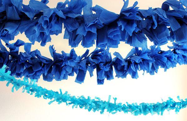DIY GIANT FRINGE GARLAND: Paper Garlands, Fringes Garlands, Giant Fringes, Crepes Paper, Diy Giant, Giant Garlands, Parties Ideas, Diy Garlands, Diy Projects