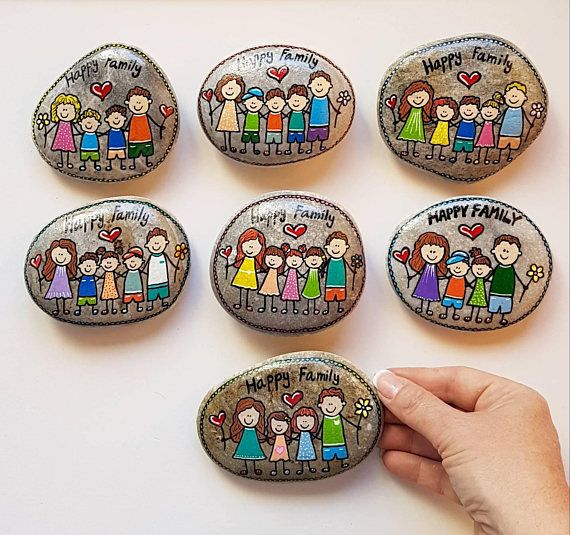 CUSTOM family picture, Family portrait, family gift, painted stone, pebble art, gift for mom, home decor, unique gift, painted rock – Tina Guerra