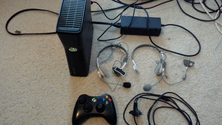 Xbox 360s 4gb 8 Game Discs Madden 2012 Kinect Adventures Call