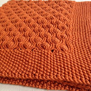 Free pattern; knit; bubble stitch blanket ~~