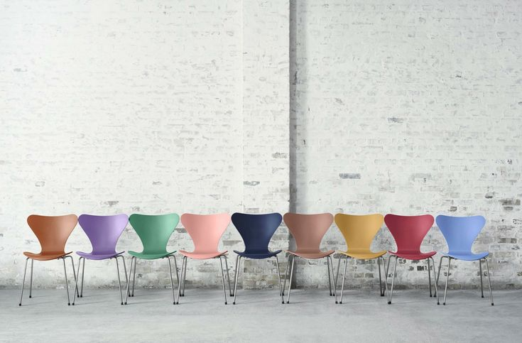 Arne Jacobsen Series 7 Chair from Fritz Hansen celebrates its 60th birthday with 9 new colors.