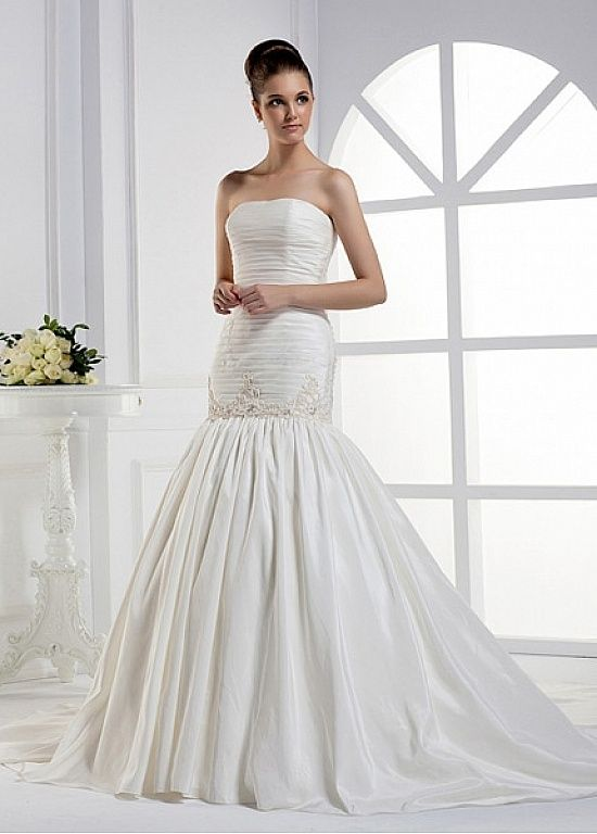 Vestidos de noiva plissados