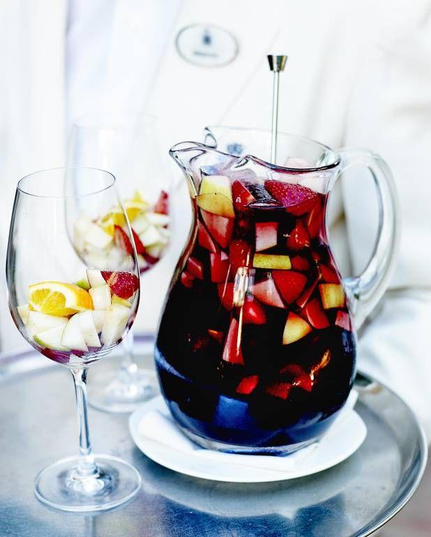 Best 25 sangria ideas on pinterest sangria recipes red for Sangria recipe red wine triple sec