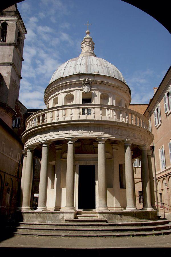 Tempietto - Rome, Itaia - 1502 / arquiteto: - Donato Bramante / Foi construído no pátio da igreja, no exato sítio da cruz onde se pensa que S. Pedro teria sido martirizado. É o marco que assinala o nascimento da Arquitetura do Alto Renascimento.