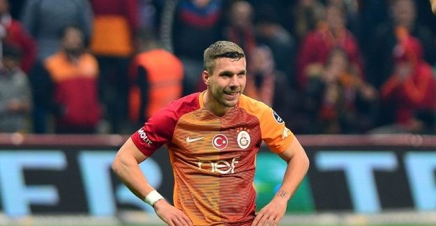 Lukas Podolski'ye Vissel Kobe transferi soruldu