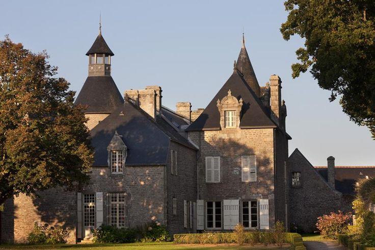 Le Manoir de Kerazan, vue arrière. Loctudy   Finistère Bretagne