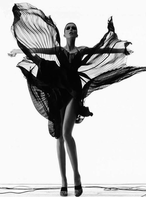 Fantastic movement on this black and white fashion photography.