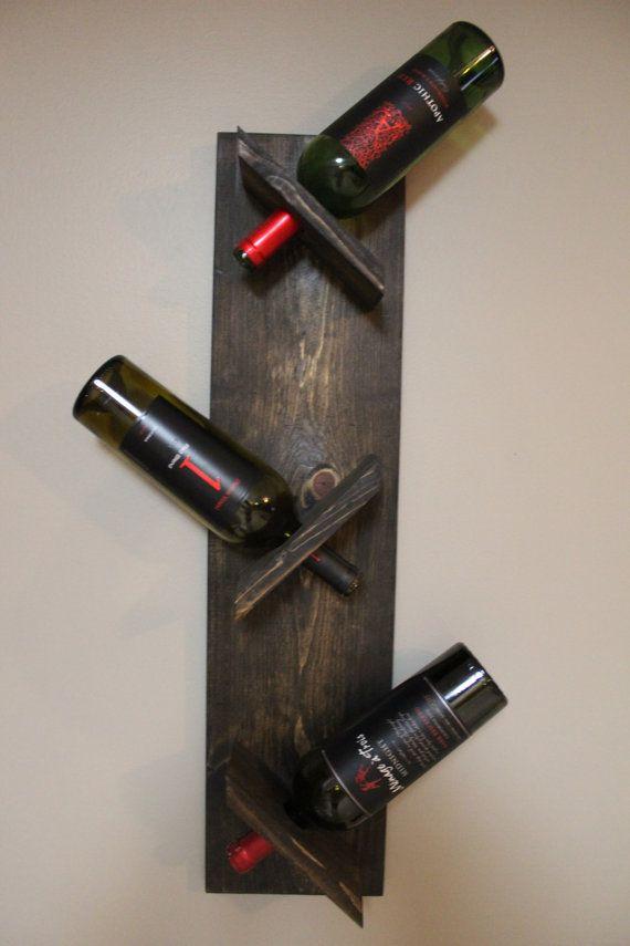 Botellero estante del vino rústico de madera por YellowFernStudio