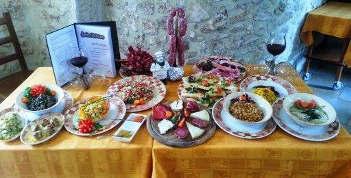 #Degustazione #piatti del nostro #territorio! #Zafferano #ceci #cicerchia #coratella #formaggi #salumi #vino #carni