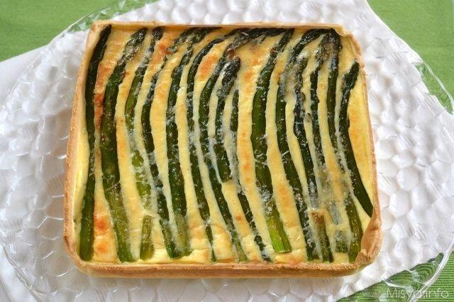 Torta salata agli asparagi