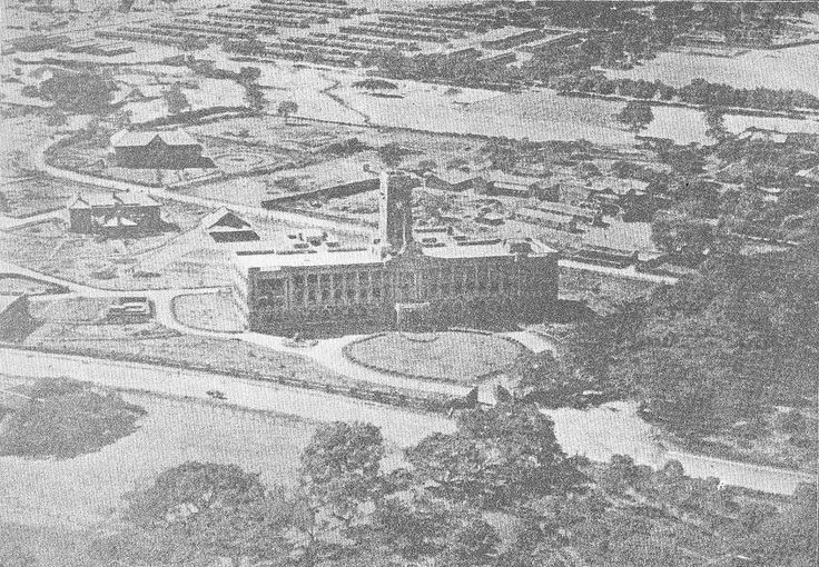 An aerial view of the Simla Office taken in 1928 by the Royal Air Force - http://rrkelkar.files.wordpress.com/2011/03/simla-office-1928-aerial-view-royal-air-force.jpg