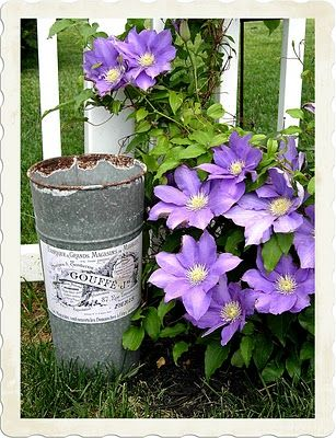 http://thegraphicsfairy.com/crafty-project-french-flower-bucket-diy/ French flower bucket DIY tutorial
