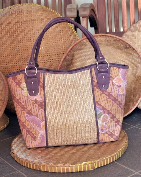 Combination of copper stamp batik from Pekalongan and anyaman from www.nyai.co
