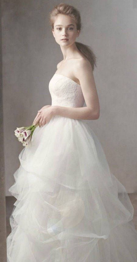 Vera Wang Ball Gown With Corded Lace Bodice And Tulle