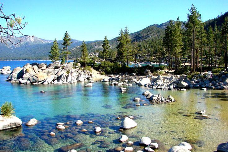 Le lac Tahoe entre la Californie et le Nevada : 20 lieux où voir les eaux les plus claires du monde - Linternaute.com Voyager
