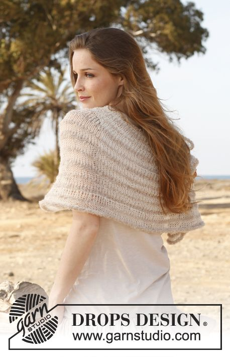 "Knitted DROPS shoulder piece in ""Alpaca Bouclé"" and ""Lace"". Size: S - XXXL. ~ DROPS Design"