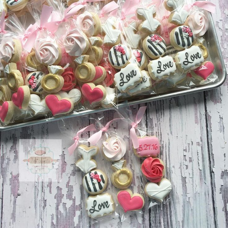 Tons of bridal shower minis heading out! #bridalshowercookies #bridalshower #weddingcookies #natsweets #sandiego