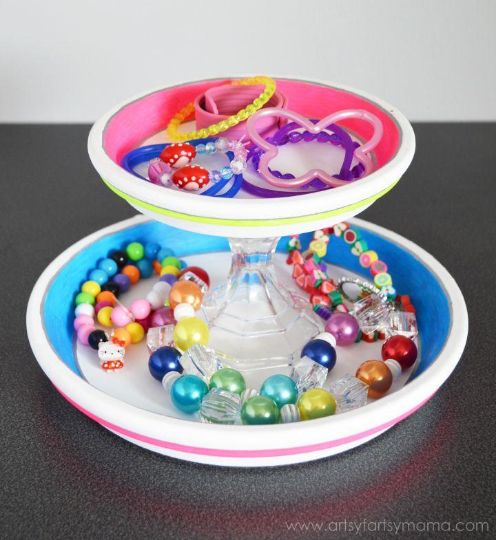DIY Neon Jewelry Stand at artsyfartsymama.com