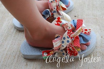diy Raggy flip-flops & matching bows Saw people that made Scentsy flip flops like this at convention was super cute :) have to do for next year