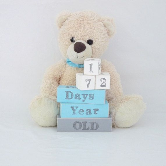 Baby age blocks are a gorgeous set of colourful blocks that you can help use to capture the milestones in your child's life. Baby milestone blocks are used as props in photo's so you will never forget how old your child was when those precious moments were made. Milestone baby blocks are also a fun way to send family and friends updates about your little one memorable milestones. Simply place the appropriate wooden age block next to your little one and take a photo.  Each baby age block set…