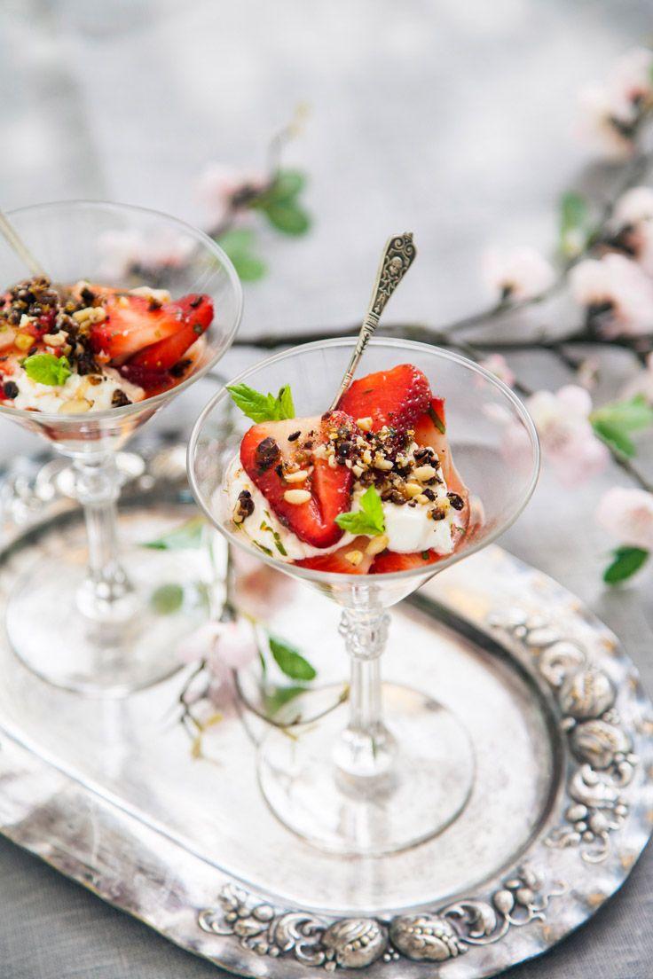 Vacker efterrätt på under en halvtimme, marinerade jordgubbar!
