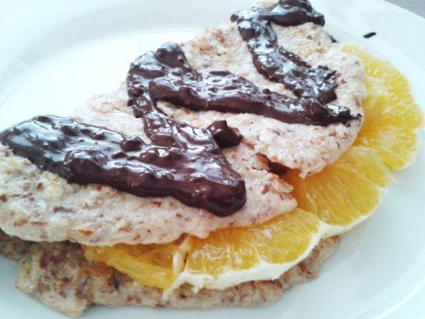 Mandľové fitness palacinky s pomarančom a horkou čokoládou - recept