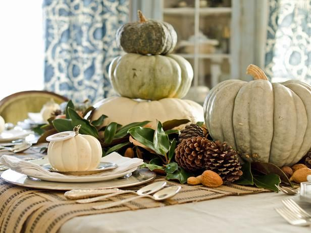 Rustic table setting ideas for #Thanksgiving.