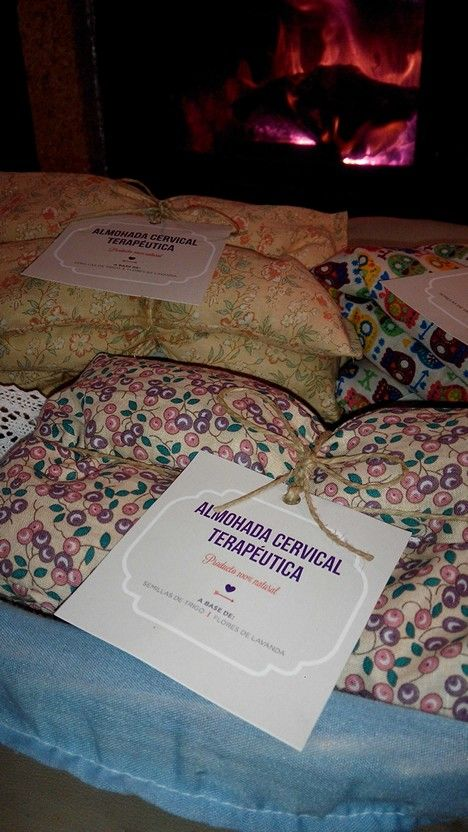 Almohadas de semillas con flores de lavanda