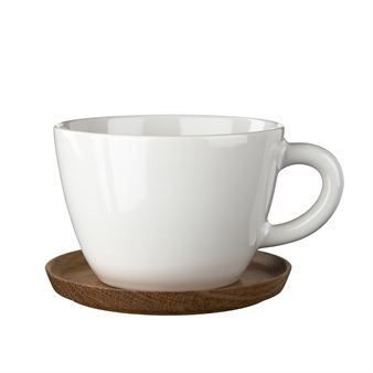 The tea cup from Höganäs is made of stoneware of the best quality with a practical and stylish wooden saucer to avoid stains on the table or to use as a lid. The design and colors are also available in coffe and espresso cups.