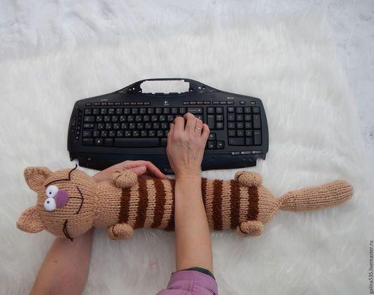 Текстиль, ковры ручной работы. Ярмарка Мастеров - ручная работа. Купить Вязаная подушка кот.. Handmade. Чудо валик купить