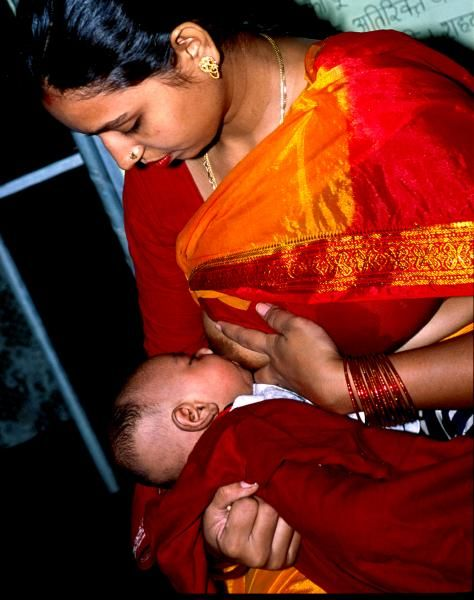 Hype-free breastfeeding around the world | BabyCenter Blog