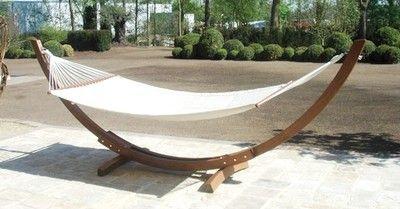 Ontspannen in een hangmat #tuin http://blog.huisjetuintjeboompje.be/ontspannen-in-een-hangmat/