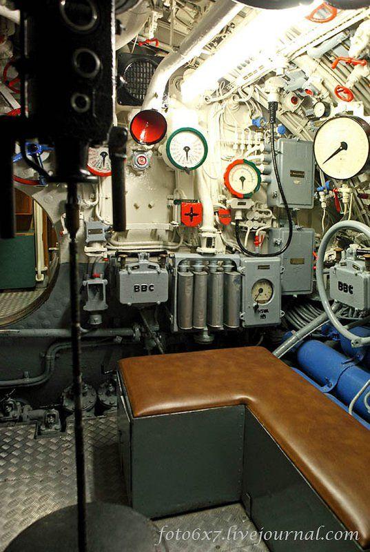German submarine U-995 was a German Type VIIC/41 U-boat of the Kriegsmarine. She was laid down on 25 November 1942 in Hamburg, Germany, and was commissione
