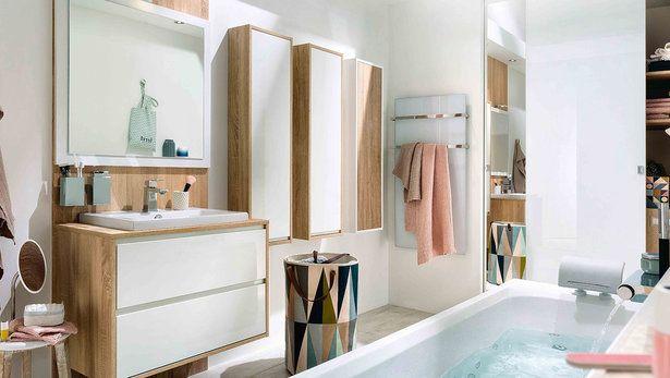 Salle de bains blanche et bois moderne ambiance scandinave