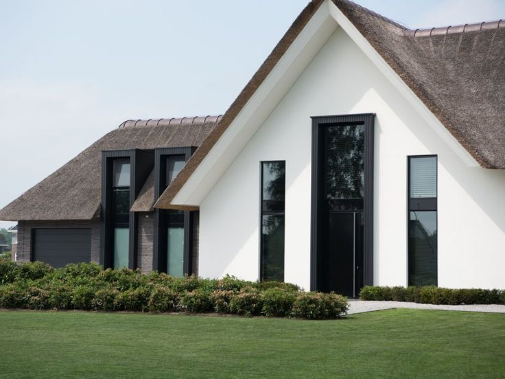 Bouwbedrijf Hoogeslag heeft als doel bouwen leuk te maken voor elke opdrachtgever in de breedste zin. Wij leveren kwaliteit, zijn betrouwbaar en flexibel., Luxe woonhuis te Raalte