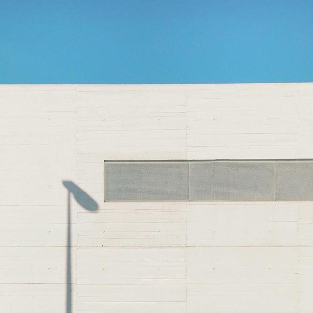 Layers #shadow #architecture #igerslaciotat #igersprovence #igersfrance #southfrance #rsa_minimal #minimalism