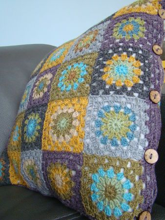 pilloww - buttons and color scheme