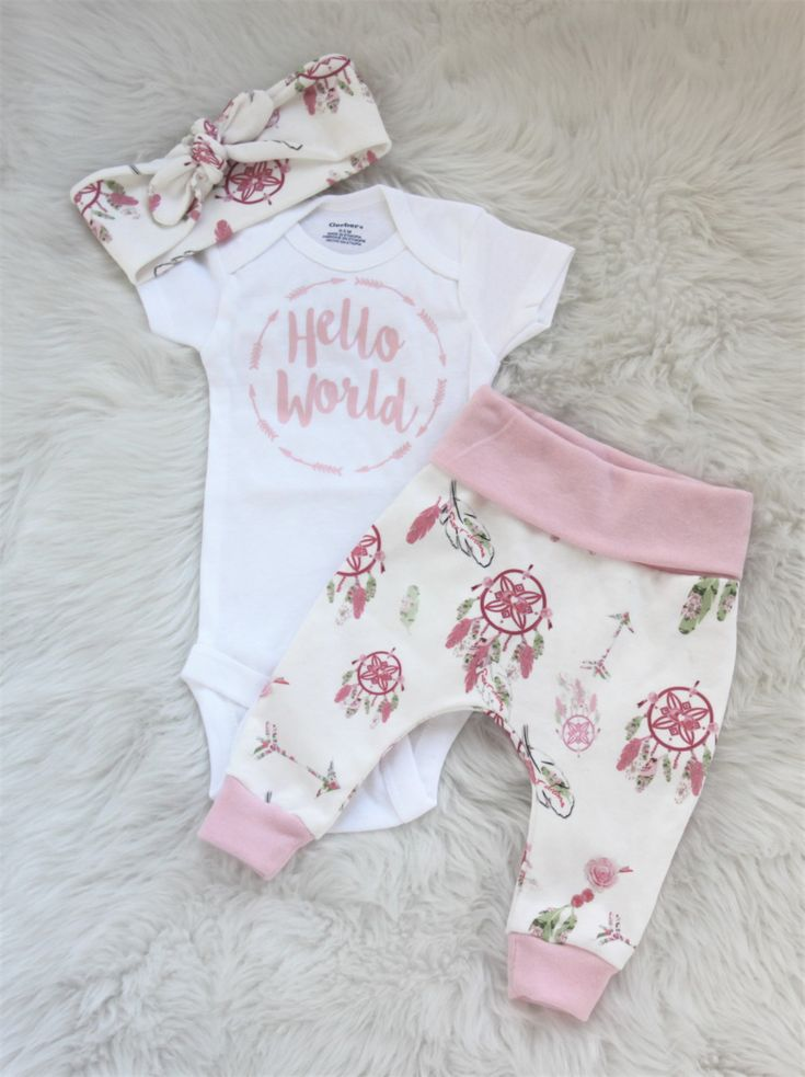 Hello world outfit/ newborn girl/baby girl/pink leggings by bibitibobitiboutique on Etsy