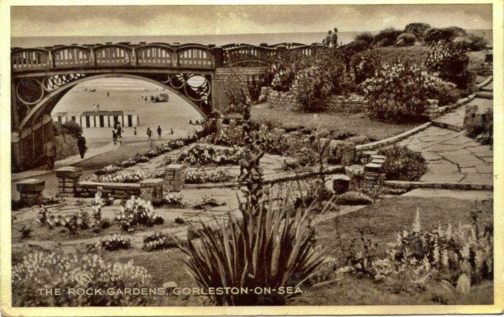 Postcards and Viewcards: 1959 Postcard Of Gorleston-on-Sea, Norfolk, Englan...
