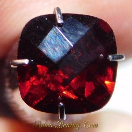 Red Dark Sparkling Pyrope Garnet 1.65 Carat