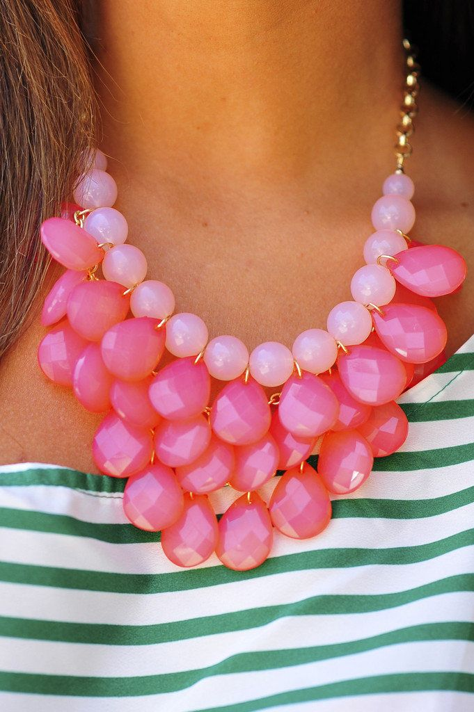 Pink chunky necklace. Would be great with a black and white chevron top