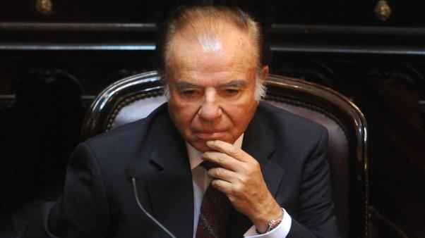 Causa Armas: Condenaron a Menem a 7 años de prisión. La justicia encontró culpable de contrabando al ex presidente, en el marco de la causa iniciada por el contrabando de armas a Croacia y Ecuador. ¿Cuáles son los cargos? http://www.minutouno.com/c290421