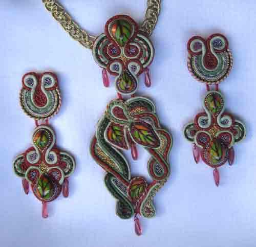 Jewelry plastic Fimo.Urok number 3.Tsvetnaya plastic or imitation sutazhnoy filigree technique.