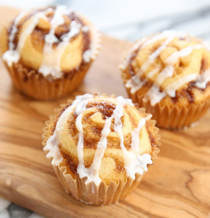 cinnamon roll muffins cinnamon roll muffins cinnamon rolls food travel ...